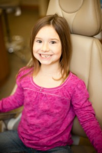 girl dental patient pink shirt iStock_000016333787XSmall (2)